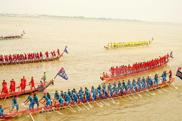 Nutrida participacion en el Festival del Agua en Camboya hinh anh 1