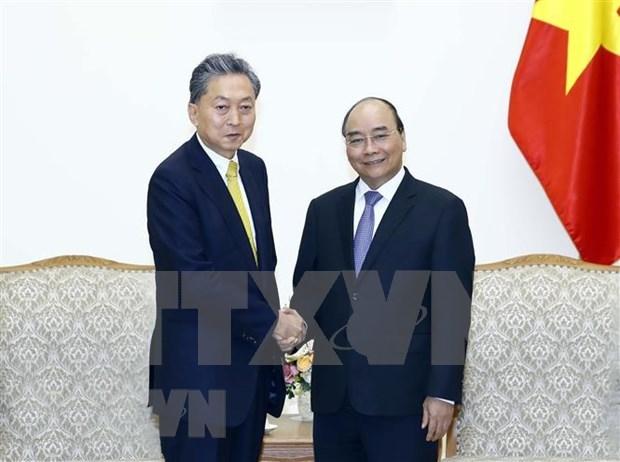 Resalta Premier de Vietnam asociacion estrategica con Japon hinh anh 1
