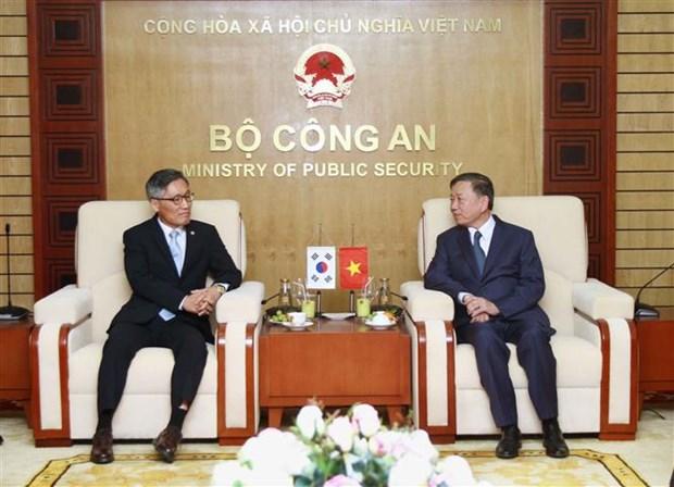 Afianzan Vietnam y Corea del Sur cooperacion policial hinh anh 1