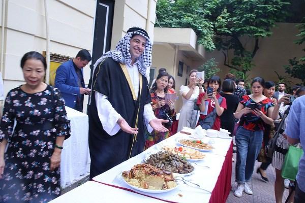 Presentan en Hanoi la cultura culinaria de Palestina hinh anh 1