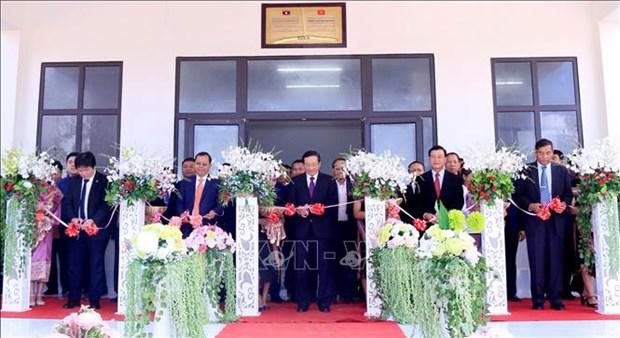 Entrega Vietnam en Laos escuela para fortalecer amistad entre ambos paises hinh anh 1