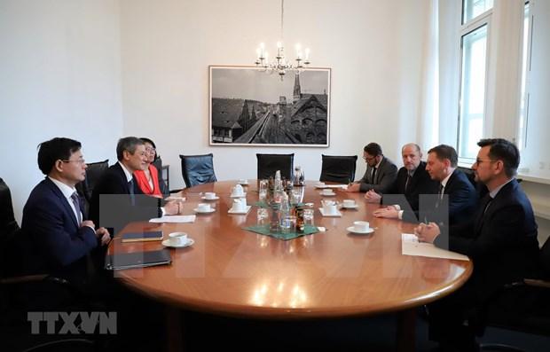 Presentan en Alemania politicas de atraccion inversionista de Vietnam hinh anh 1