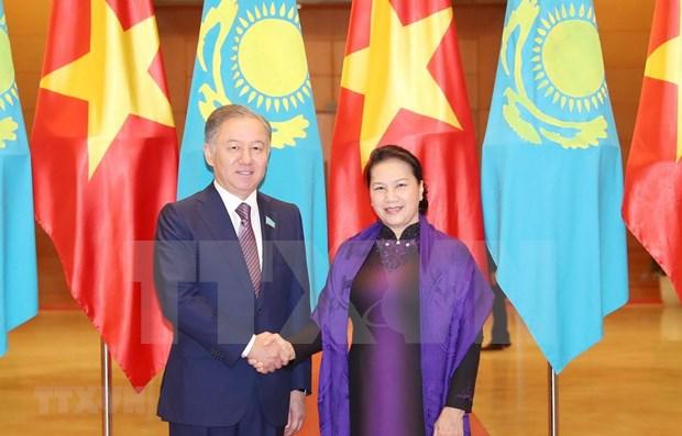 Robustecen nexos parlamentarios entre Vietnam y Kazajstan hinh anh 1