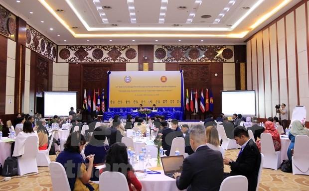 Debaten sobre medidas para promover el bienestar social y el desarrollo en la ASEAN hinh anh 1