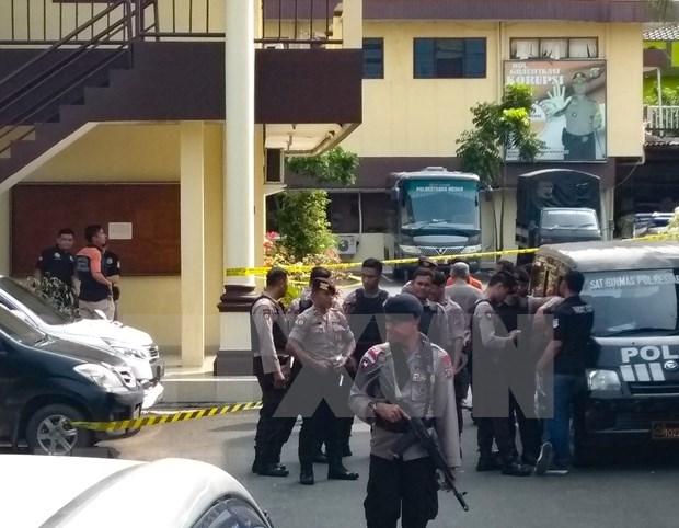 Detienen en Indonesia a presuntos terroristas relacionados con reciente ataque suicida hinh anh 1