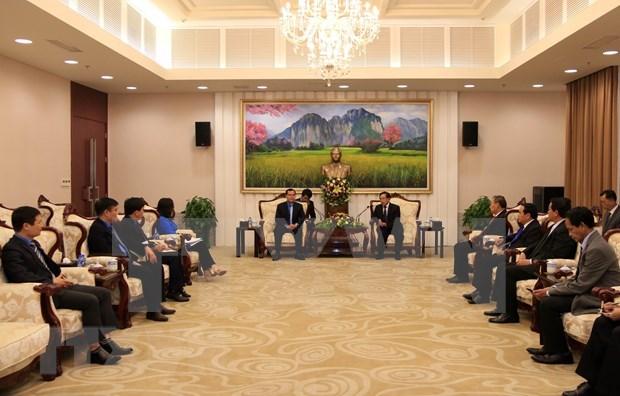 Promueven aumento de la cooperacion sindical entre Vietnam y Laos hinh anh 1