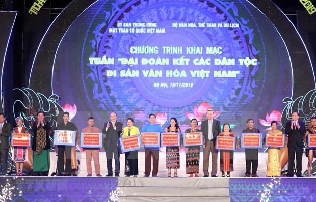 Insto primer ministro de Vietnam a consolidar la unidad nacional hinh anh 1