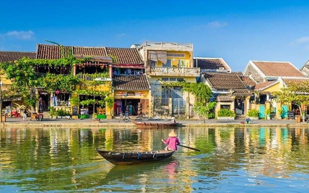 Ofrecen entradas gratuitas a turistas por aniversario de titulo mundial de Hoi An hinh anh 1