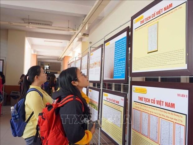 Celebran en Quang Ngai exhibicion de soberania vietnamita sobre archipielagos de Hoang Sa y Truong Sa hinh anh 1