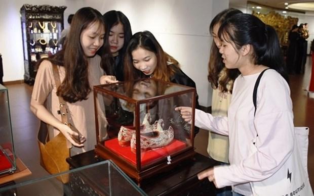 Presentan productos de orfebreria artesanal en ciudad vietnamita de Da Nang hinh anh 1