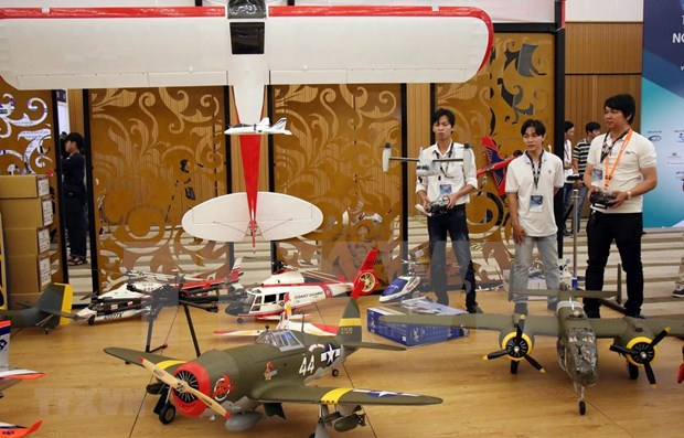 Efectuan en Vietnam por primera vez Exhibicion Internacional de Aviacion hinh anh 1