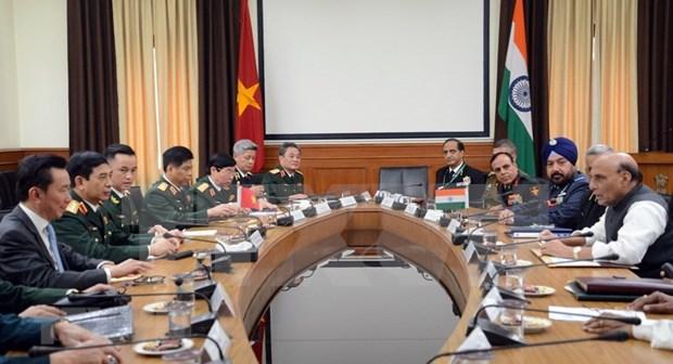 Refuerzan Vietnam y la India nexos en defensa hinh anh 1