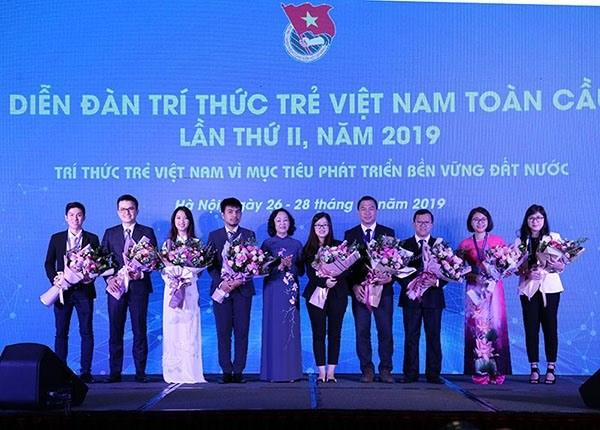 Concede Vietnam importancia a los jovenes intelectuales nacionales hinh anh 1