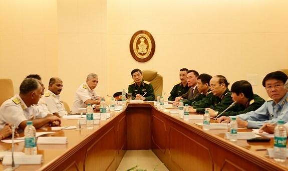 Intensifican Vietnam y la India lazos en defensa hinh anh 1