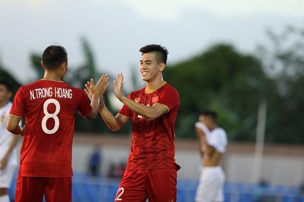 Futbol: Apabulla Vietnam 6-1 a Laos en SEA Games 30 hinh anh 1
