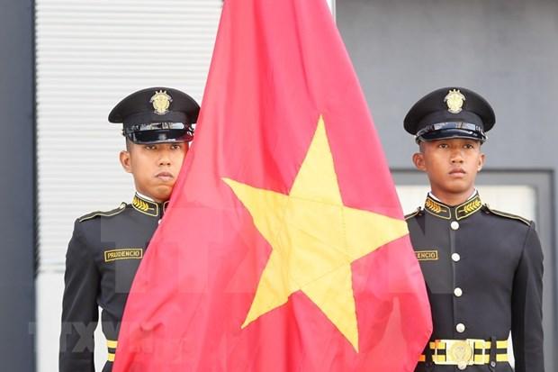 Izan bandera vietnamita en Juegos del Sudeste Asiatico hinh anh 1