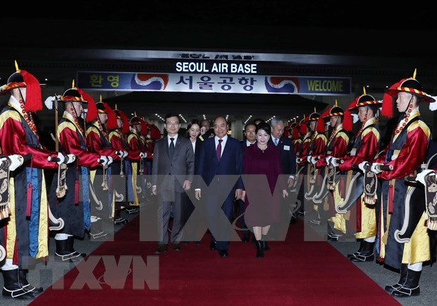 Cumple primer ministro de Vietnam intensa agenda en Corea del Sur hinh anh 1