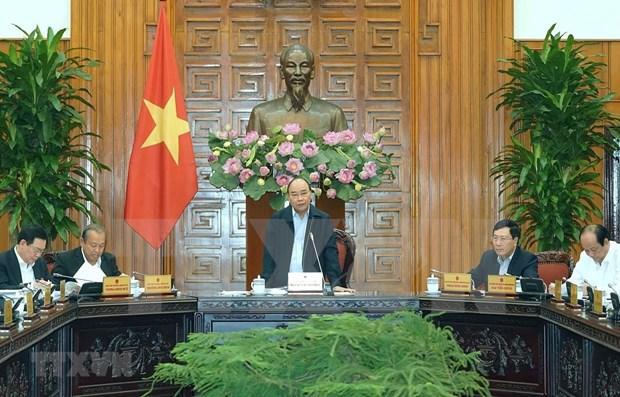 Premier vietnamita preside reunion sobre plan del desarrollo socioeconomico para 2020 hinh anh 1
