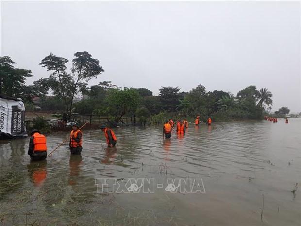Pide premier de Vietnam mayores esfuerzos para enfrentar a desastres naturales hinh anh 1