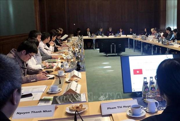 Asiste Alemania a Vietnam en capacitacion de administradores en la salud hinh anh 1