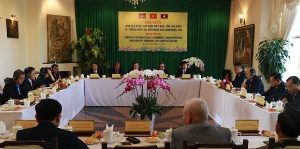 Valoran medidas para fortalecer los lazos entre agricultores de Vietnam, Laos y Camboya hinh anh 1
