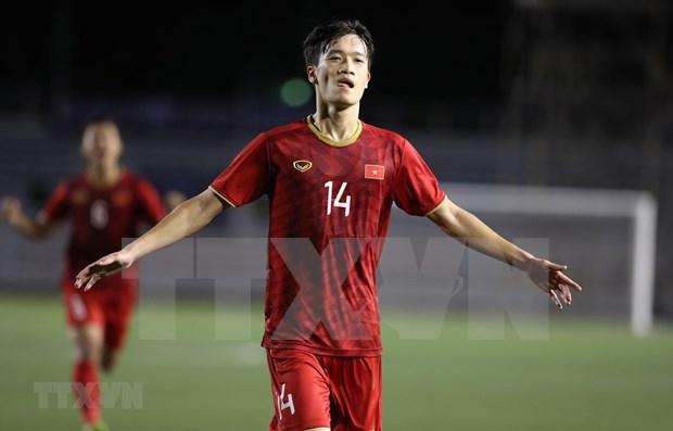 Alaban actuacion de seleccion de futbol de Vietnam en partido contra Indonesia durante torneo regional hinh anh 1