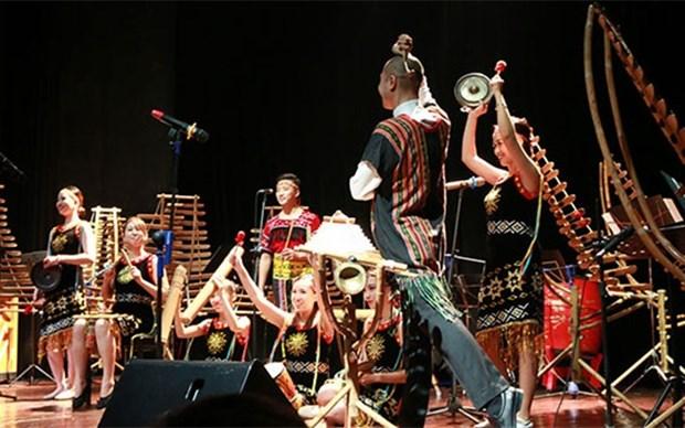 """Presentan en Hanoi velada musical """"Bambu de Otono 4"""" hinh anh 1"""