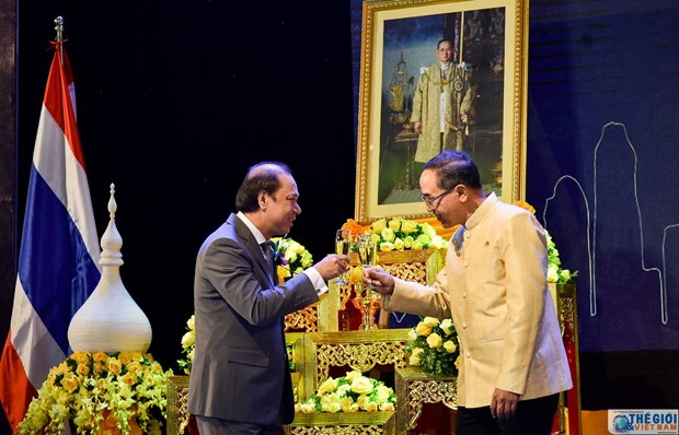 Celebran en Hanoi Dia Nacional de Tailandia hinh anh 1