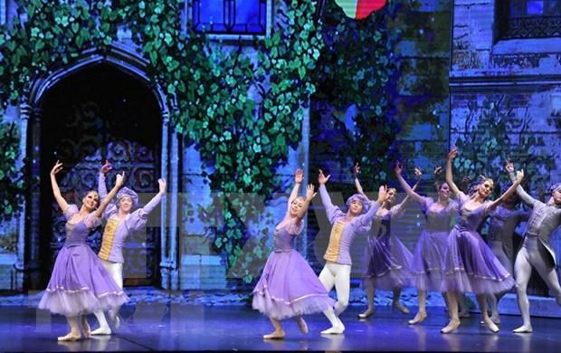 """Presentaran en Ciudad Ho Chi Minh ballet """"El Cascanueces"""" hinh anh 1"""