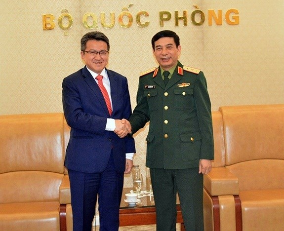 Ratifican Vietnam y Malasia el positivo desarrollo de los nexos en defensa hinh anh 1