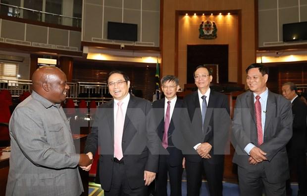 Vietnam y Tanzania por agilizar lazos multifaceticos hinh anh 1