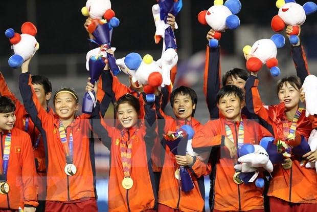 Recompensan al equipo femenino de futbol de Vietnam, campeon sudesteasiatico hinh anh 1