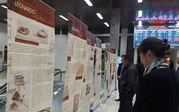 A 500 anos de su muerte, abren exhibicion sobre Leonardo da Vinci en Hanoi hinh anh 1
