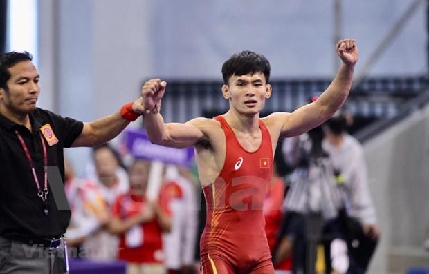 SEA Games 30: Gana Vietnam en lucha otras tres medallas de oro hinh anh 1