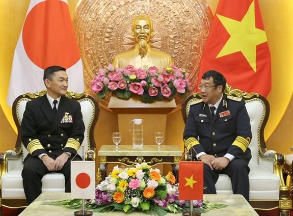 Fortalecen cooperacion Armadas de Vietnam y Japon hinh anh 1