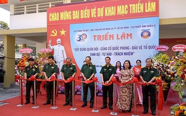 Abren en Ciudad Ho Chi Minh exposicion sobre construccion militar y defensa nacional hinh anh 1
