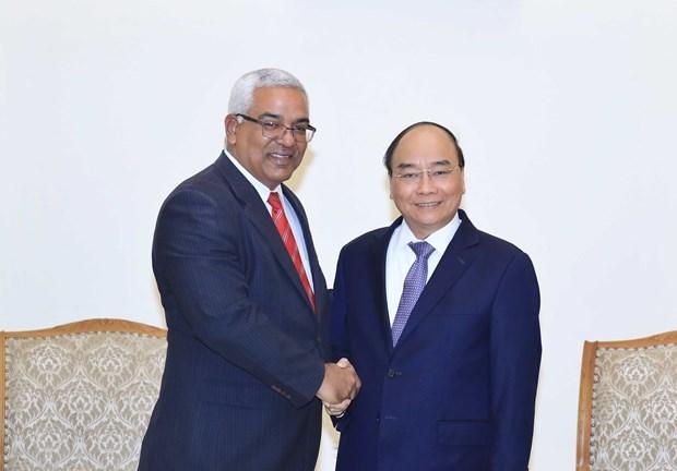 Recibe primer ministro de Vietnam al titular de Justicia de Cuba hinh anh 1