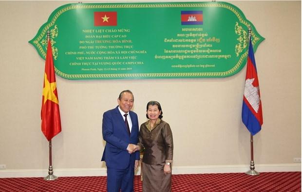 Vietnam y Camboya fijan meta de elevar comercio bilateral a cinco mil millones de dolares en 2020 hinh anh 1