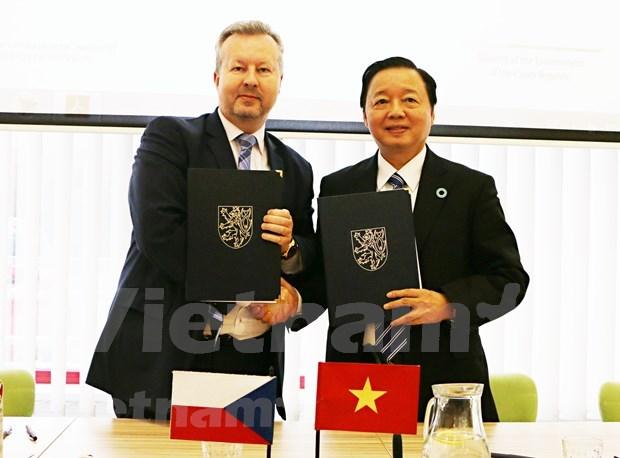 Vietnam y Republica Checa colaboran en proteccion del medio ambiente hinh anh 1