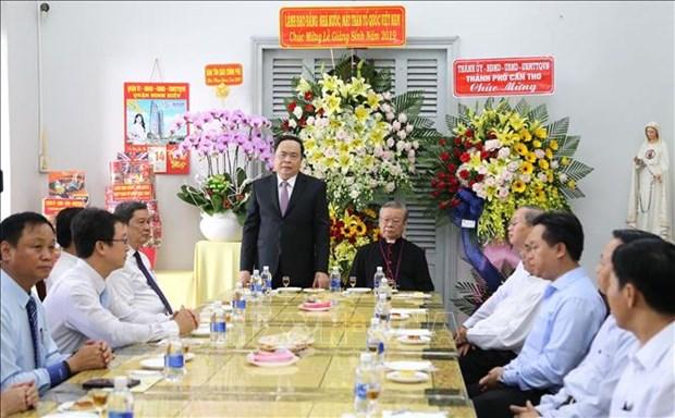 Felicita Frente de Patria de Vietnam a comunidad catolica por Navidad hinh anh 1
