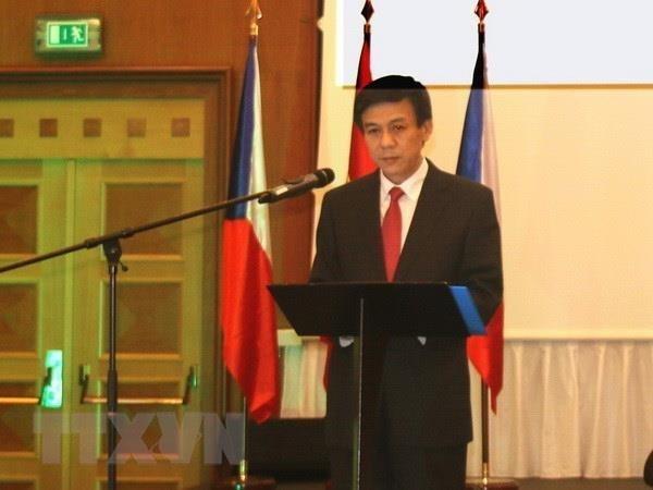 Destacan contribuciones de empresas vietnamitas en Republica Checa hinh anh 1