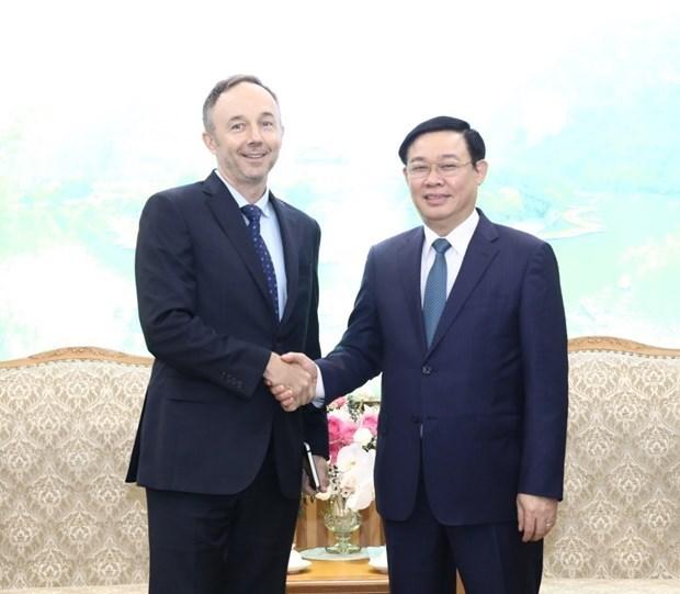 Gobierno vietnamita promete facilitar operacion a largo plazo de Nike en el pais hinh anh 1