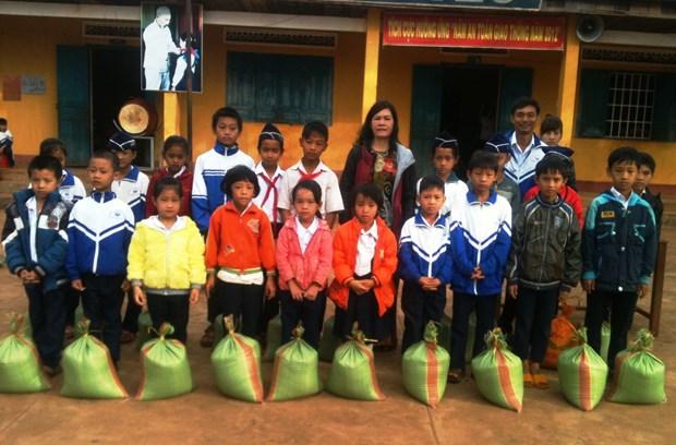 Entregan mas de 763 toneladas de arroz a estudiantes necesitados en Dak Lak hinh anh 1