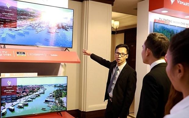 Vingroup presenta nuevos modelos de televisor inteligente hinh anh 1