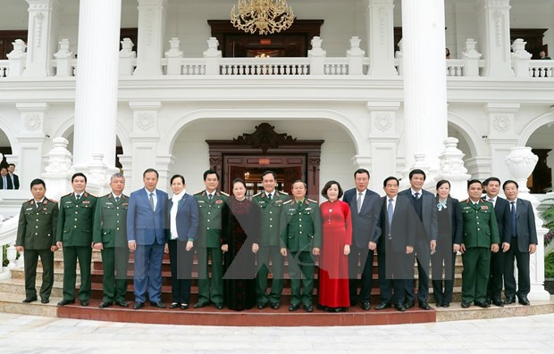 Visita maxima legisladora de Vietnam a Comando de Zona Militar 3 hinh anh 1