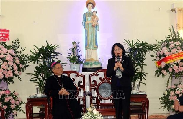 Felicita vicepresidenta de Vietnam a comunidad catolica por Navidad hinh anh 1