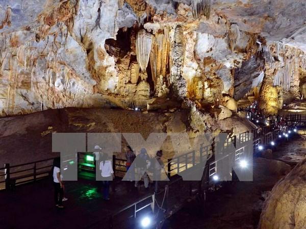 Acoge provincia de Quang Binh a mas de cinco millones de turistas en 2019 hinh anh 1