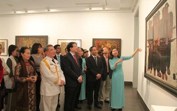 Abren en Hanoi exposicion tematica sobre el Ejercito Popular de Vietnam hinh anh 1