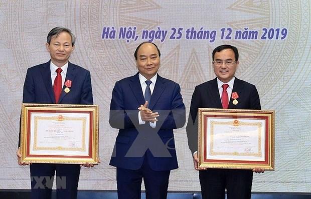 Insta primer ministro de Vietnam a garantizar suministro electronico en su pais hinh anh 1
