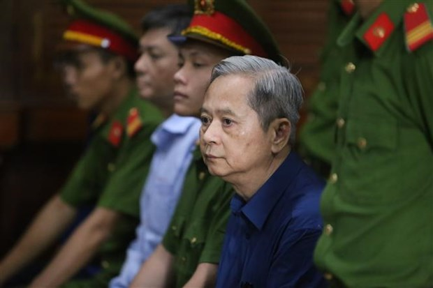 Abren juicio contra expresidente del Comite Popular de Ciudad Ho Chi Minh por violaciones hinh anh 1